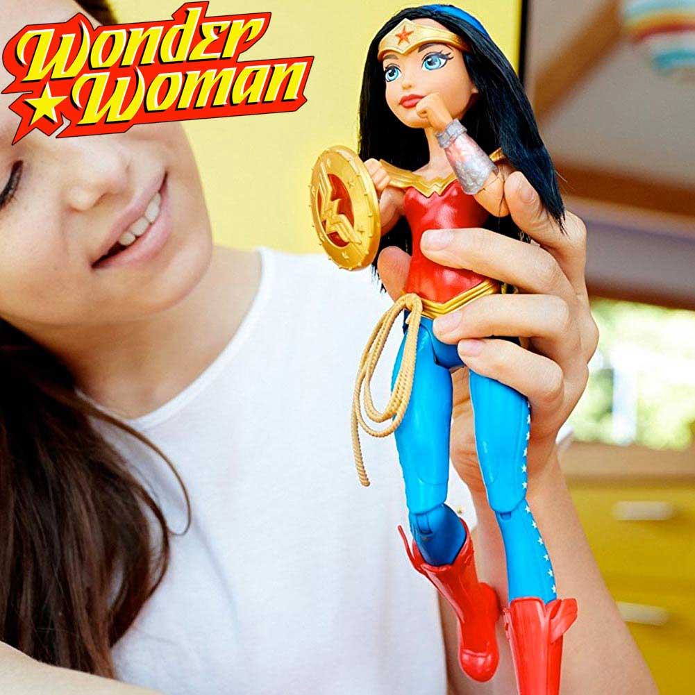 WONDER WOMAN ACTION FIGURE BAMBOLA ALTEZZA 30 CM CON LUCI SUONI E MOVIMENTO.